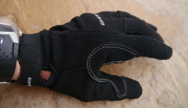Endura Full Monty MTB Glove wipe