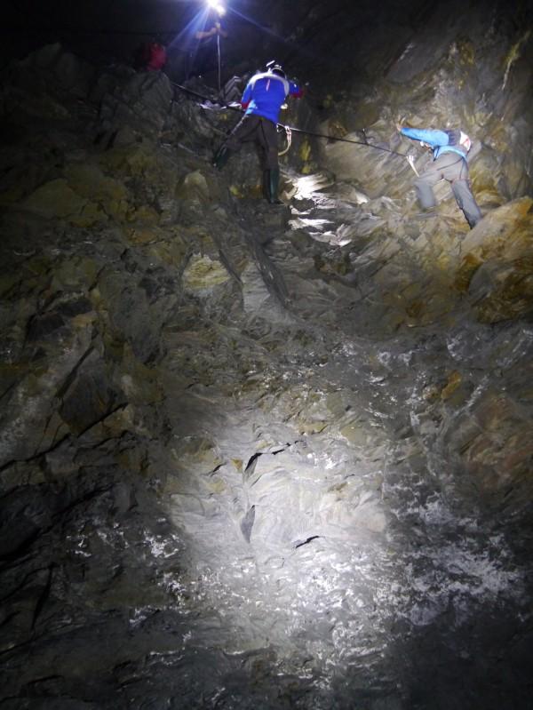 LED Lenser XEO19R Go Below Underground5