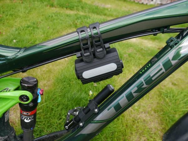 LED Lenser XEO19R battery pack frame mount2