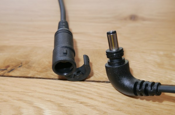 LED Lenser XEO19R cable locking mechanism
