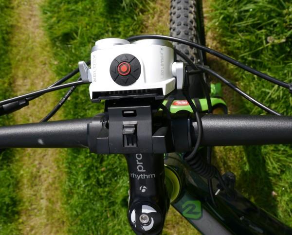 LED Lenser XEO19R handlebar mount2
